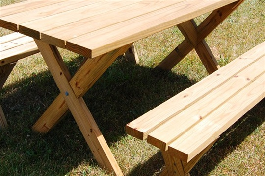 Weekend DIY Picnic Table Project