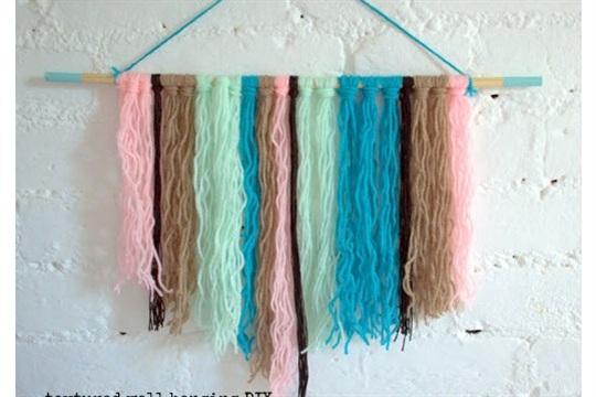 Easy wall hanging DIY