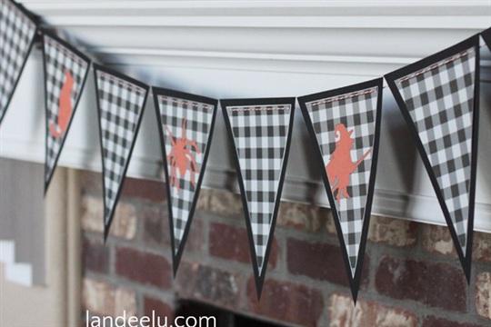 Buffalo Check Halloween Banner landeelu.com