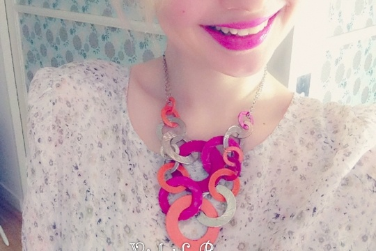 How to add a pop of colour to a necklace
