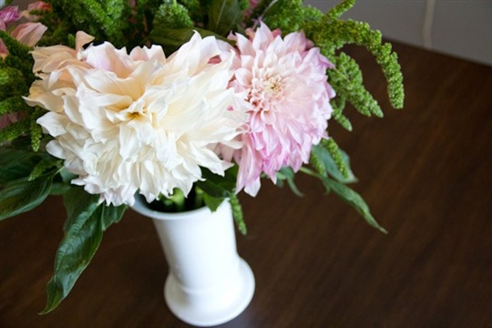 DIY Dahlia and Amaranthus Bouquet ? Lovely Indeed