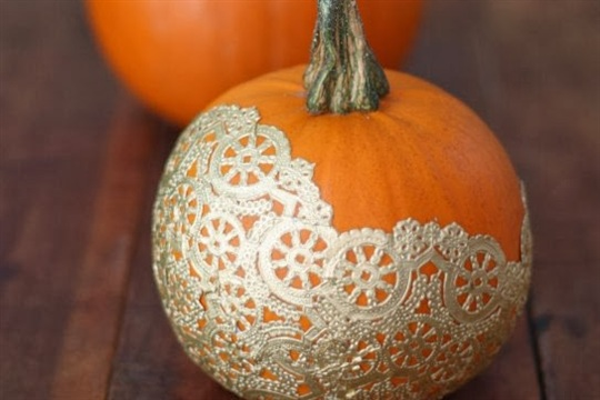 DIY Pumpkin Decorating Golden Doily Pumpkins