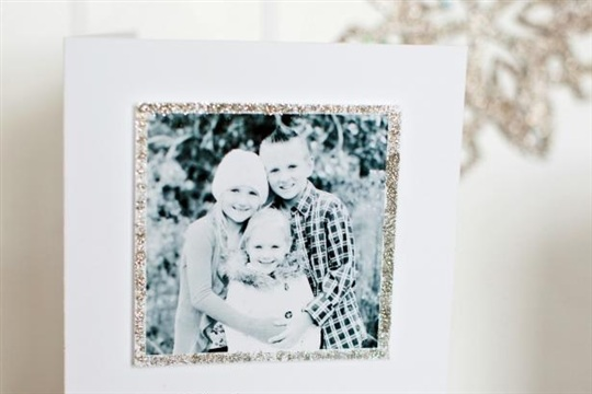 How to Make a Handmade Holiday Photo Card