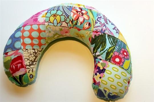 Patchwork Travel Neck Pillow ~ Pattern & Tutorial