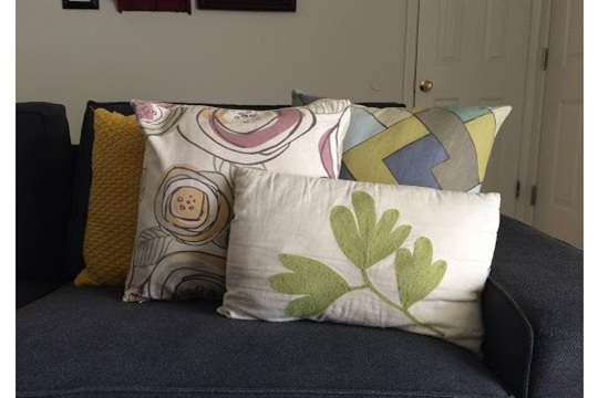 Jars + Mugs DIY Easy Zippered Pillow Cover Tutorial