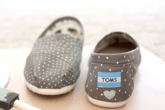 Get Crafty! Painted TOMS