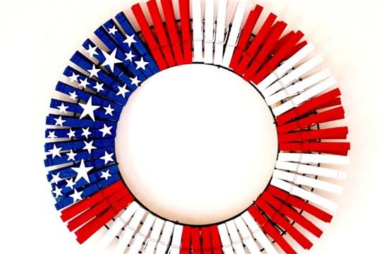 The Happy Flammily: DIY American Flag Wreath