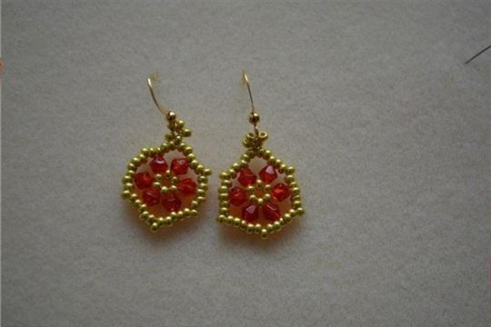 How to Make Hexagon Bead Earrings at Home for Christmas