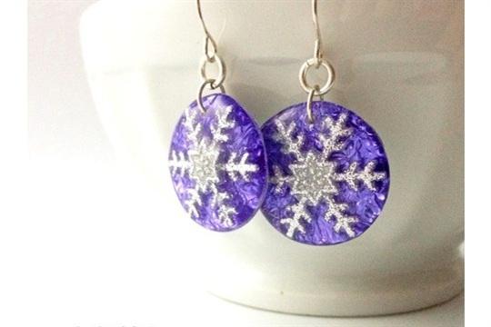 How to Make Snowflake Resin Jewelry Tutorial