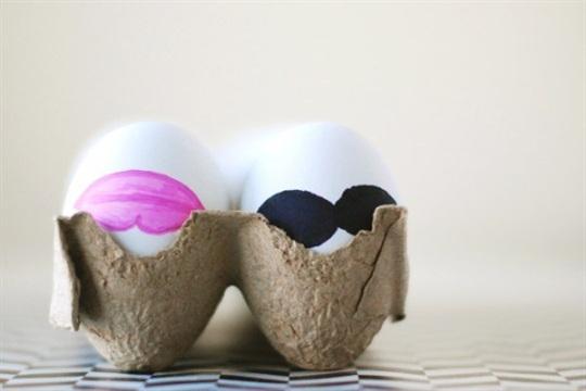 DIY His & Hers Easter Eggs