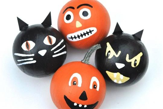 Easy Halloween Decorations Pumpkins & Black Cats