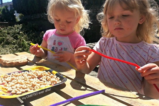 Pipe Cleaner Bird Feeder Kid's Camp Craft Lightning!