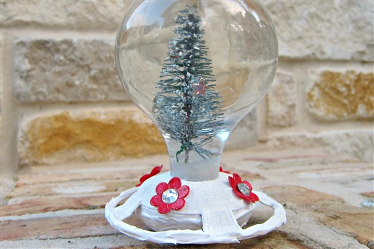 Turn a Bird Feeder into a Snow Globe
