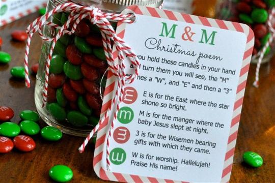 M&M Christmas Poem Candy Jar Tutorial