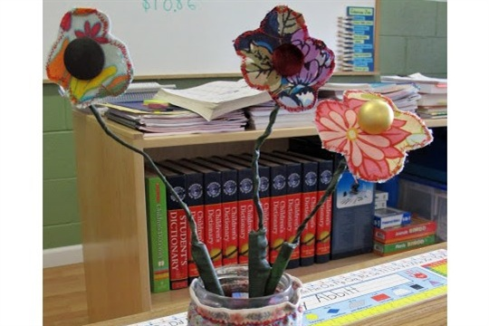 A Holiday Gift Idea For Teachers Ribbon Pencil Jar and fabric flower pens
