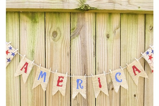 Easy DIY Burlap Banner for 4th of July